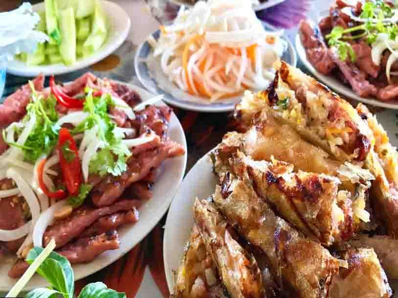 Banh Hoi An Nhut